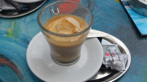 affogato, Cornelia Kaufmann, hazelnut, espresso, ice cream, eiscafé, rialto, Solingen, Germany, drink, coffee