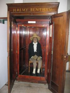 Jeremy Benthams auto-icon at UCL. Phot by Daduzi / Wikimedia