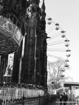 Carousel and Ferris Wheel at the Burns Monument. Copyright Cornelia Kaufmann