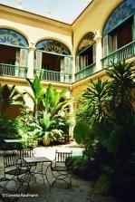 Courtyard in Habana Vieja. Copyright Cornelia Kaufmann