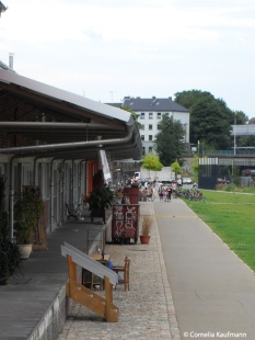 The Güterhallen in the Südpark (South Park) house studios, workshops, galleries and cafés. Copyright Cornelia Kaufmann