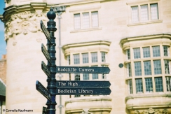 Oxford is very well sign-posted. Copyright Cornelia Kaufmann