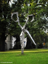 Scissor sculpture outside the Deutsche Klingenmuseum (German Blade Museum) in Solingen. Copyright Cornelia Kaufmann