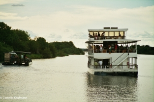 Sunset cruise on the Zambezi river, Copyright Cornelia Kaufmann