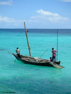 Zanzibari fishermen on the Indian Ocean. Copyright Cornelia Kaufmann