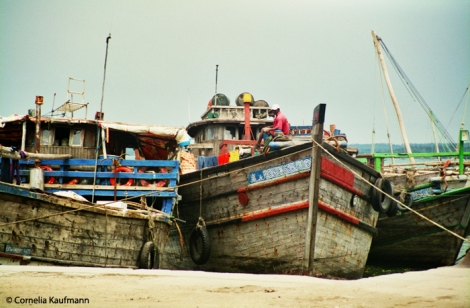 Boats at Stone Town harbour. Copyright Cornelia Kaufmann