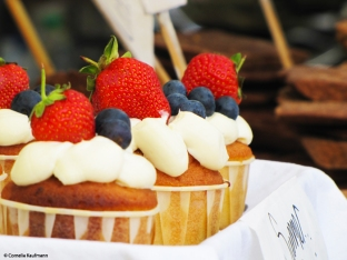 Summer treats at Camden Market. Copyright Cornelia Kaufmann
