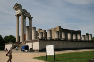 Hafentempel (harbour temple) of Xanten. Photo by anriro96 / flickr
