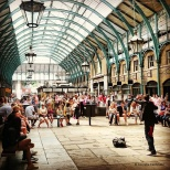 Performer at Covent Garden © Cornelia Kaufmann