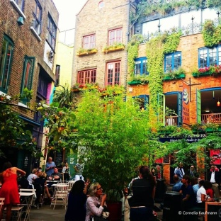 Colourful Neal's Yard in the Seven Dials neighbourhood. © Cornelia Kaufmann