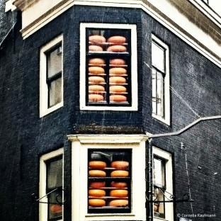 Cheese display on a rainy day in Amsterdam. © Cornelia Kaufmann