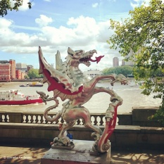 Dragon on the boundary between the cities of London and Westminster along Embankment. © Cornelia Kaufmann