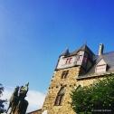 Schloss Burg in Solingen, with the statue of Engelbert II outside the palais. © Cornelia Kaufmann