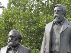 Marx & Engels statues near the Berlin Dom. ©Cornelia Kaufmann